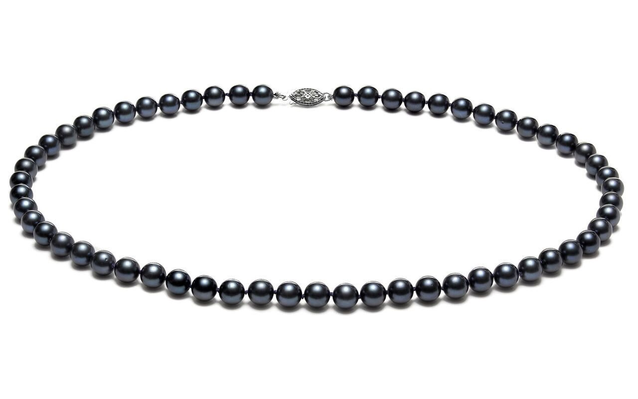 This elegant necklace features 5.5-6.0mm Japanese Akoya pearls, handpicked for their luminous luster