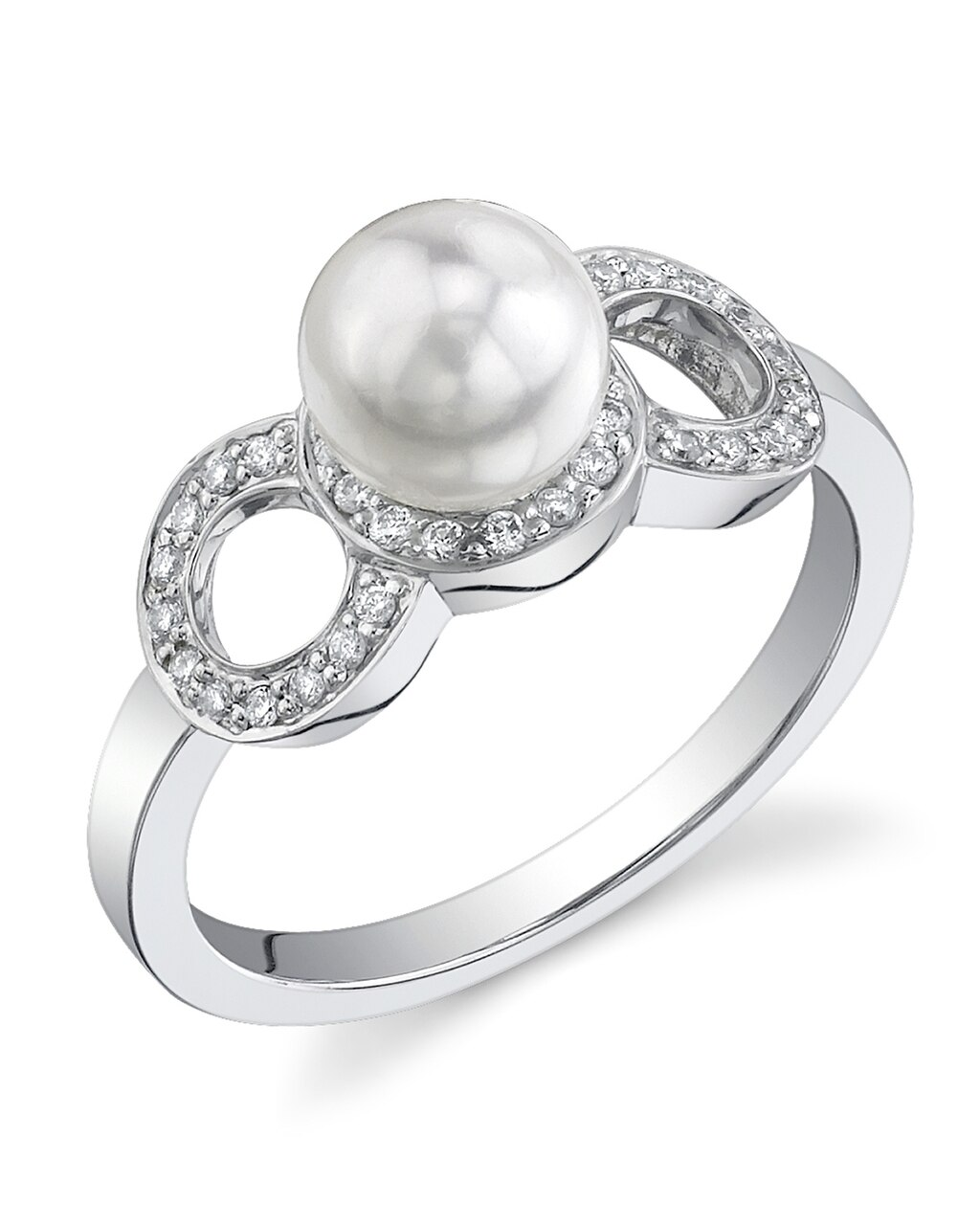 This exquisite ring features an 6.5-7.0mm Japanese Akoya pearl, handpicked for its luminous luster