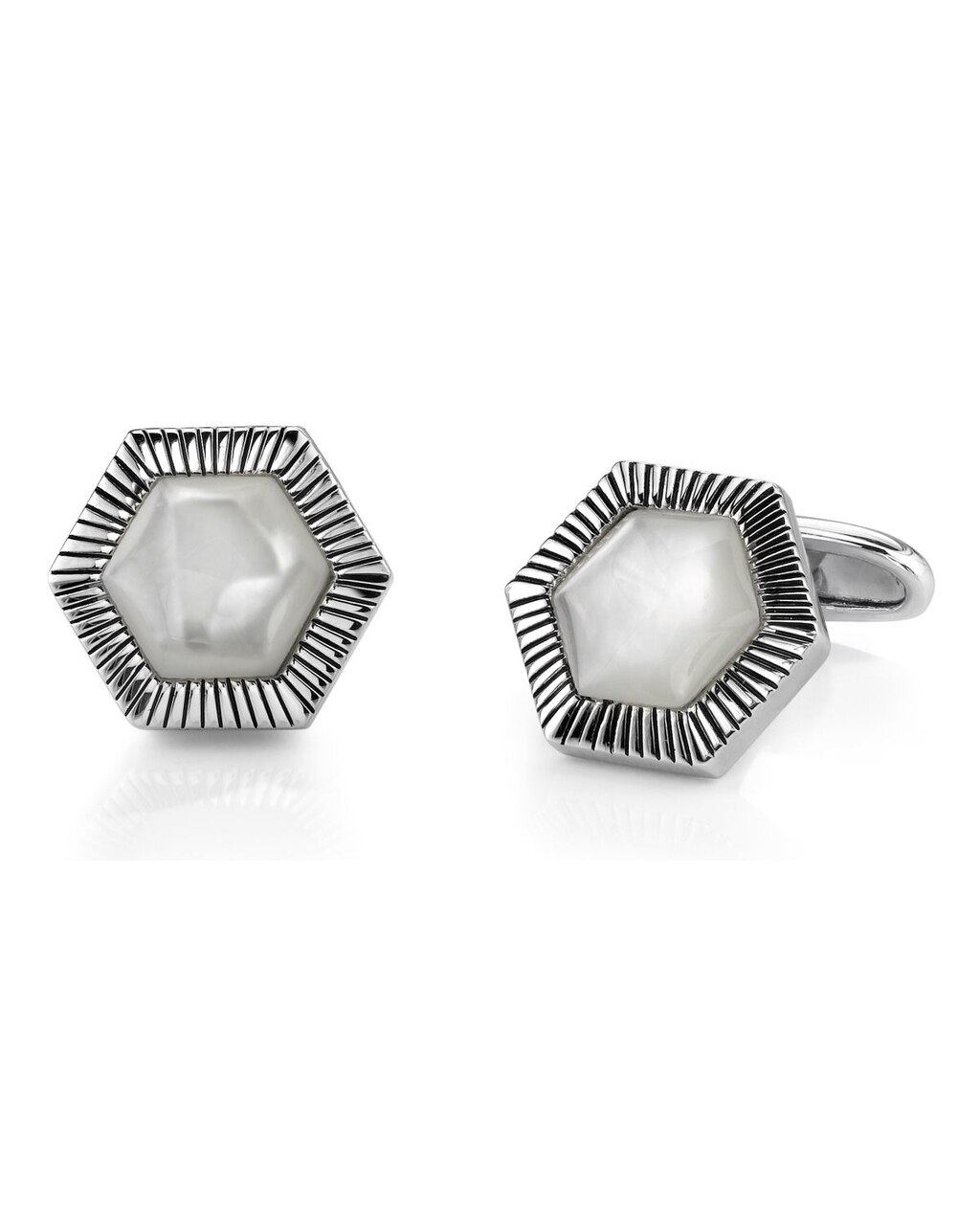 These stunning cufflinks feature beautiful mother of pearl linings