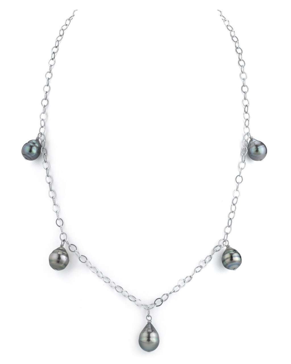 This exquisite necklace features 9.0-10.0mm Tahitian South Sea pearls, handpicked for their radiant luster